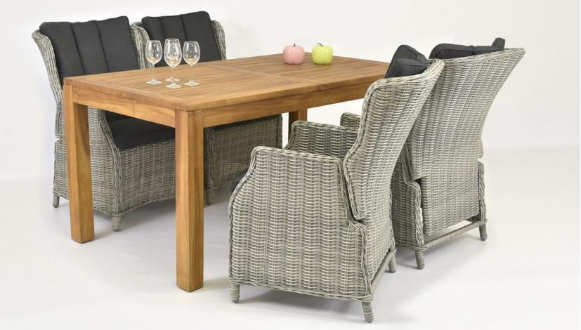 stapelbar rattansessel und teak tisch. Black Bedroom Furniture Sets. Home Design Ideas