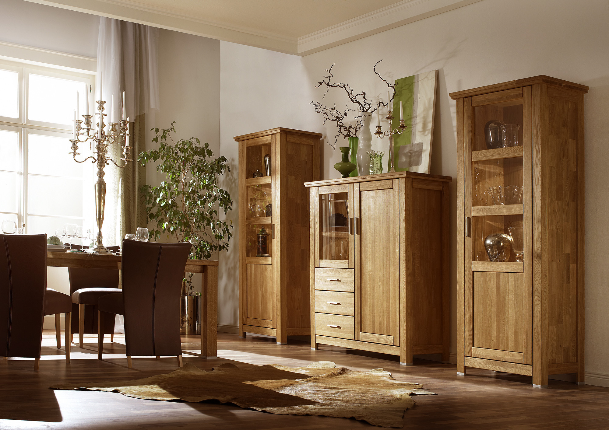 eint rige vitrine aus eiche porto 10 links. Black Bedroom Furniture Sets. Home Design Ideas